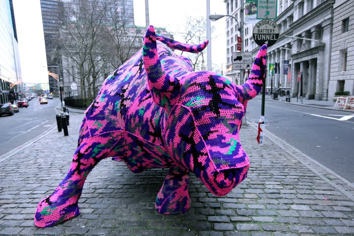 guerrilla_knitting_street_art_2