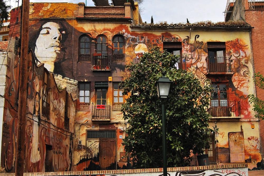 El_niño_de_las_pinturas_street_art_granada_5