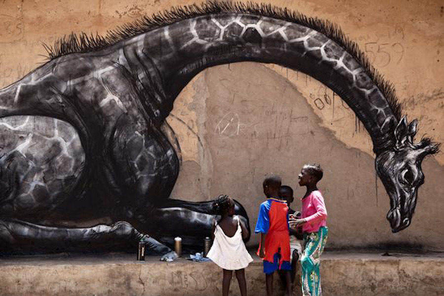 http://www.streetartutopia.com/wp-content/uploads/2011/10/roa_street_art_gambia_1_Sydelle-Willow-Smith.jpeg