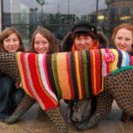 trutnov_street_art_guerrilla_crochet_4