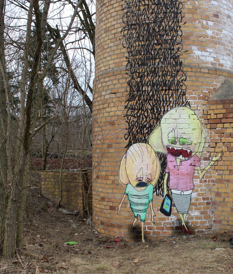 Bieler/Friedrich | ''Deine Mutter'' | 2011 | Sprühlack und Fassadenfarbe auf Wand | ca. 5m x 2m