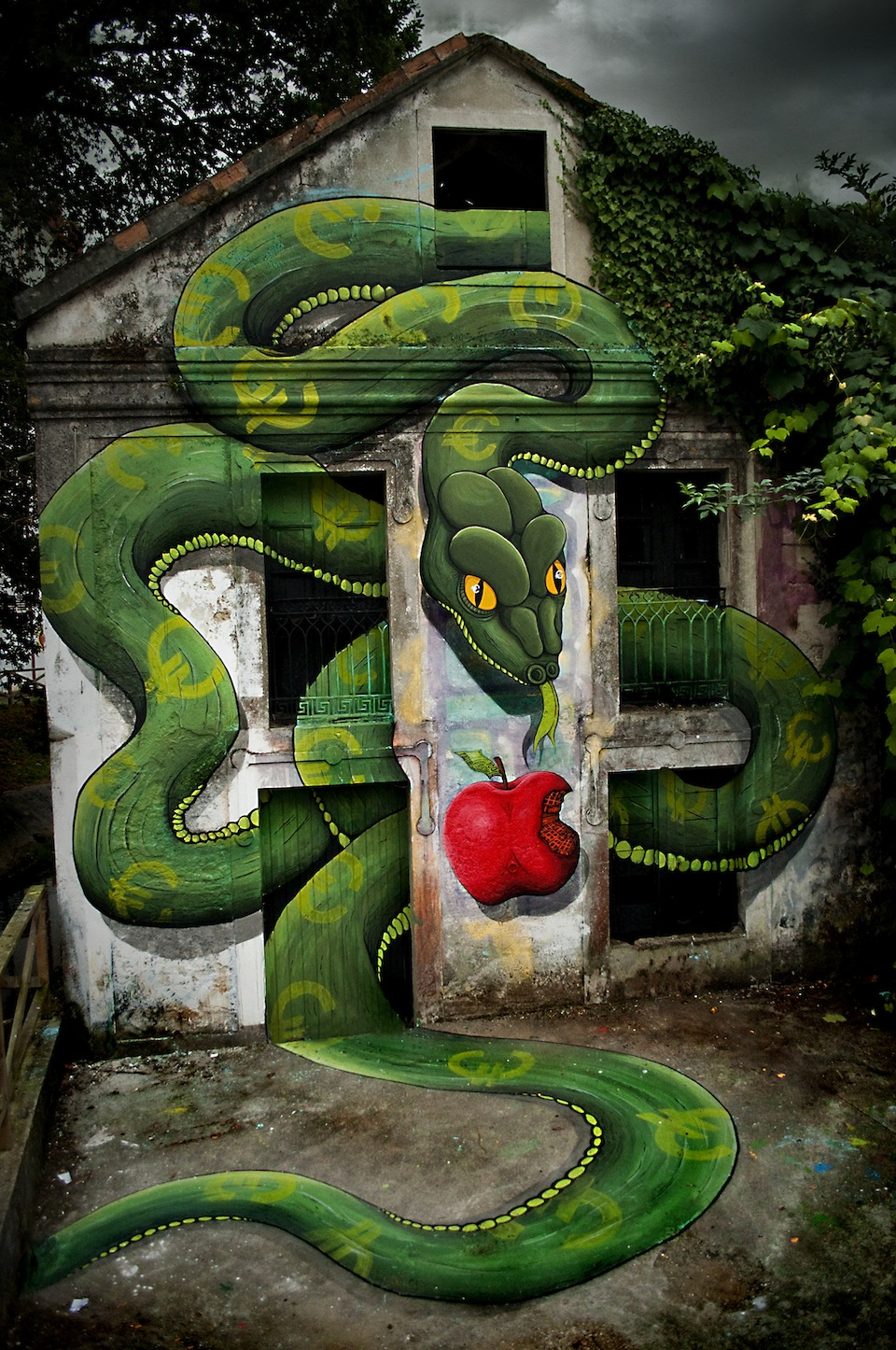 By SOKRAM. At DESORDES CREATIVAS 2012 in Ordes, Galiza, Spain 2