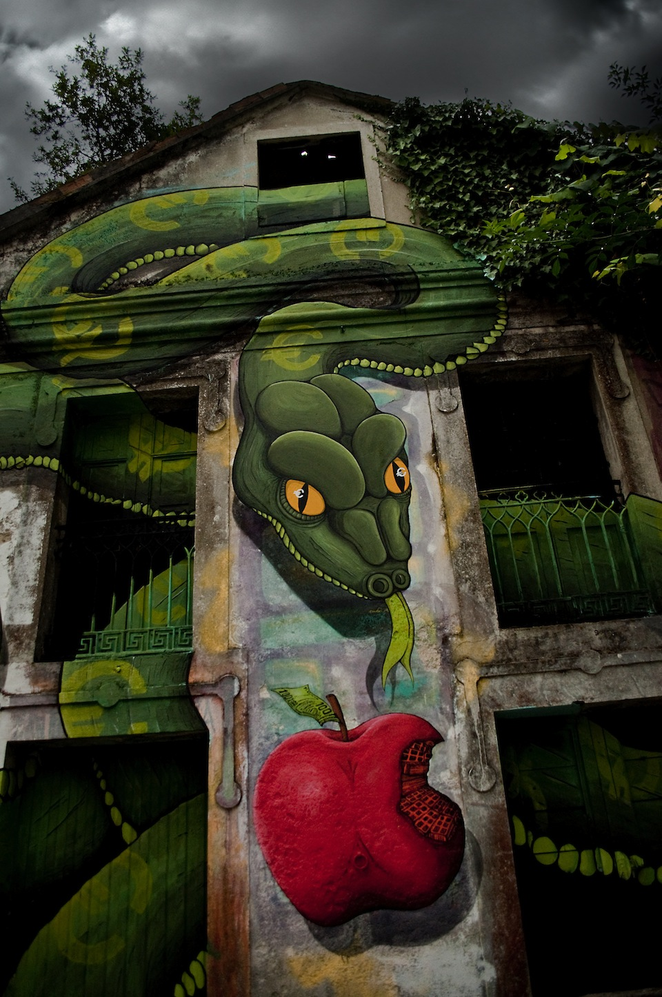 By SOKRAM. At DESORDES CREATIVAS 2012 in Ordes, Galiza, Spain 3
