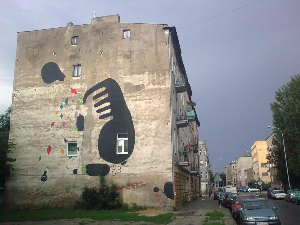 13 Galeria Urban Art Forms in Lodz, Poland. By Massmix