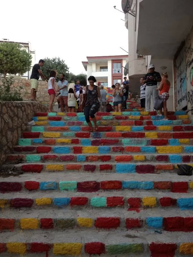 Street Art Color Steps in Turkey 3