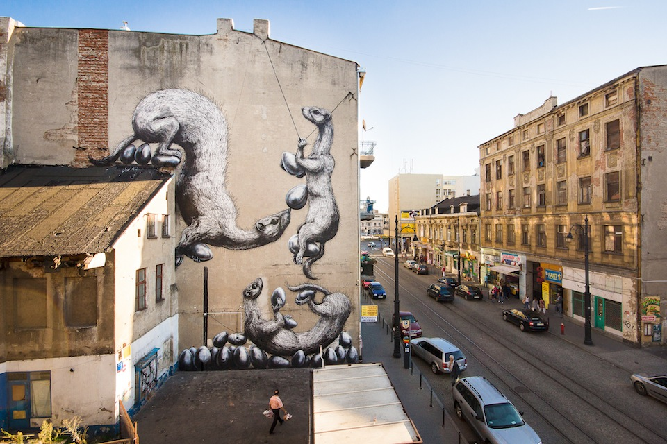 Street Art by ROA at GALERIA URBAN FORMS in Lodz, Poland