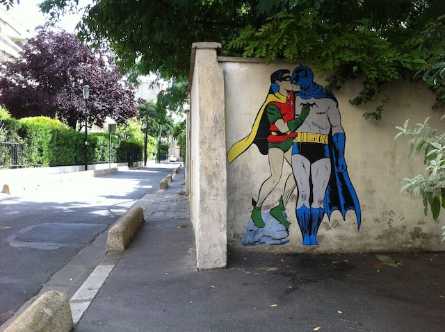 Batman-and-Robin-kissing.-By-memeIRL-in-France-1 liten