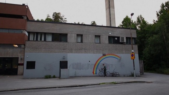 How to do a Street Art Rainbow with a bicycle!