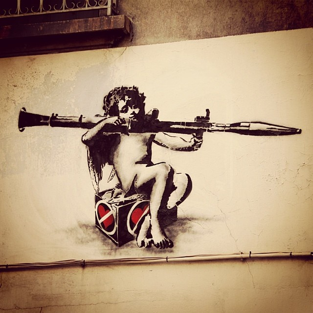 Street Art by Going in Grenoble, France - Heartbreaker