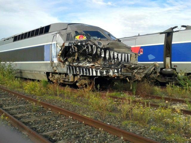 Street Art Monster Train