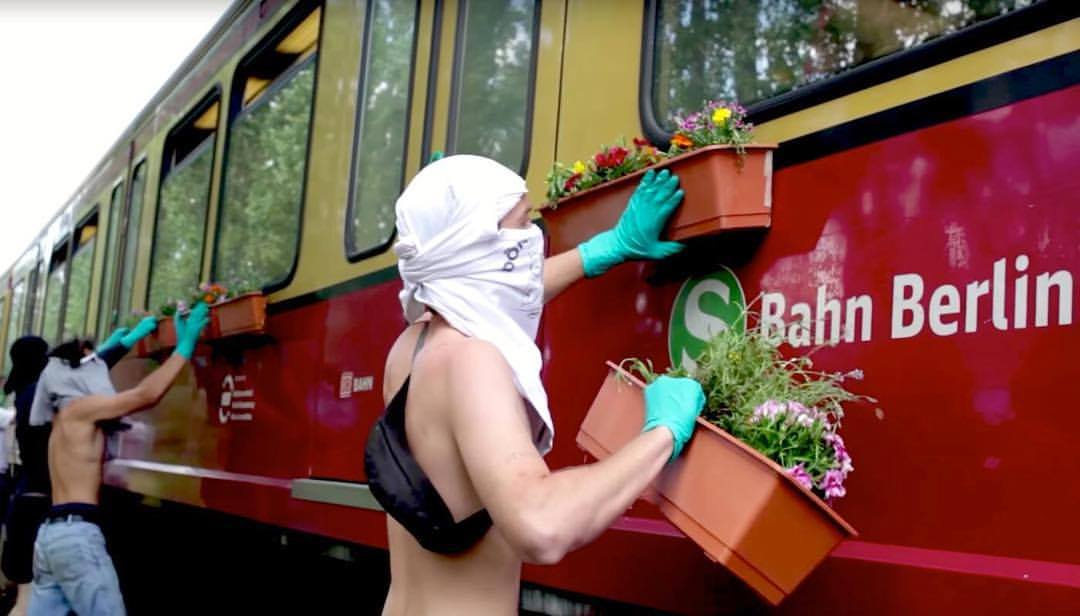 Guerilla Gardening by TOY Crew - In Berlin