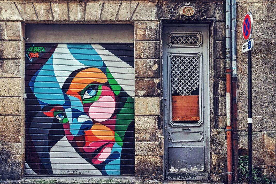 Street Art by Alber Vtimes in Old Bordeaux, France