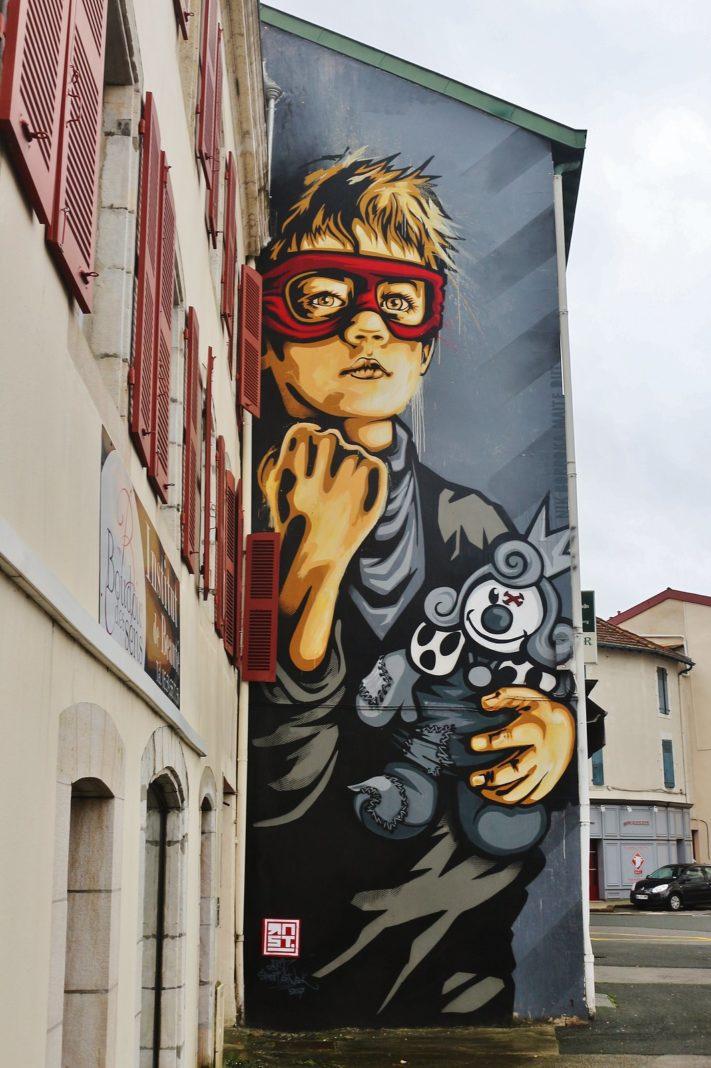 Street Art by Street Artist RNST in Bayonne, France