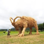 Giant-straw-sculptures-of-animals-take-over-fields-in-northern-Japan-as-part-of-the-Wara-Art-Festival-4